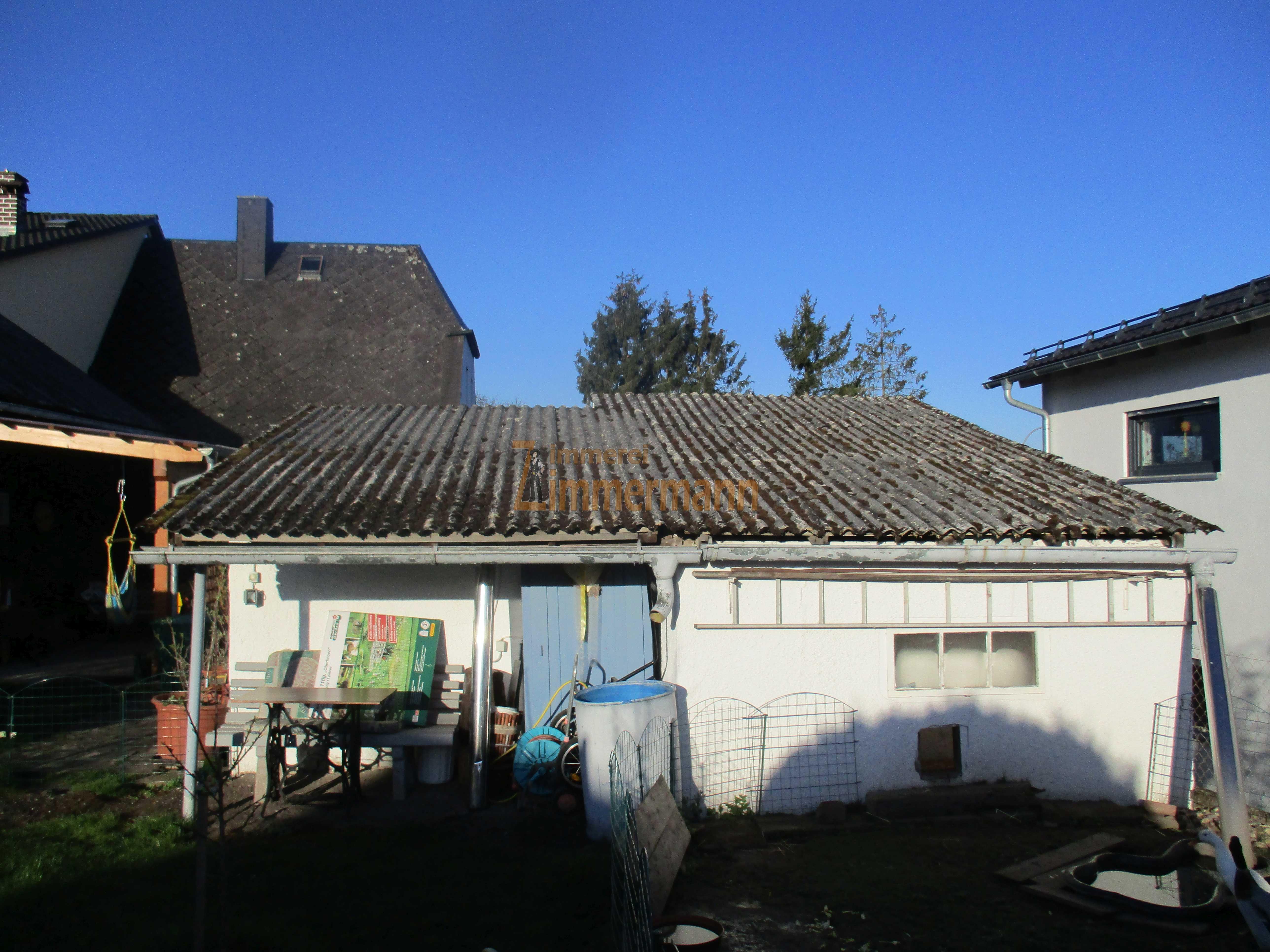 Umdeckung einer Garage vorher